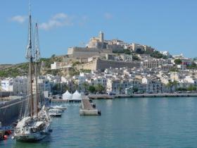 Urlaub auf Ibiza - erleben Sie Ibiza Stadt und mehr von der schönen Balearen Insel Ibiza