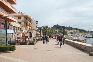 Die Promenade der Stadt Cala Ratjada