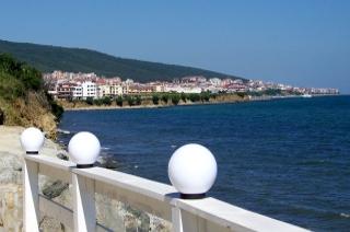 Urlaub am Sonnenstrand - Blick auf den Sonnenstrand in Bulgarien und das Schwarze Meer