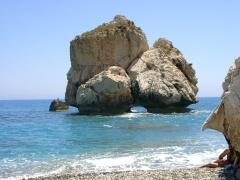 Urlaub auf Zypern ist Urlaub am Mittelmeer, wie hier am Felsen der Aphrodite auf Zypern.
